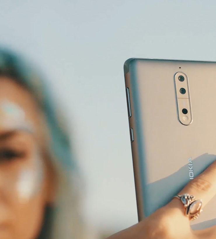 Telling Both Sides of a Story with the Nokia 8   The Flash Pack